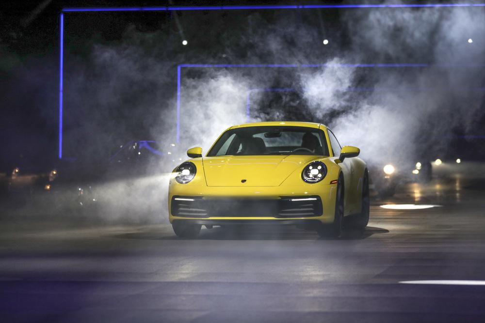 Porsche 911 thế hệ 8