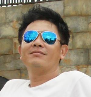 Nhà báo Quốc Huy