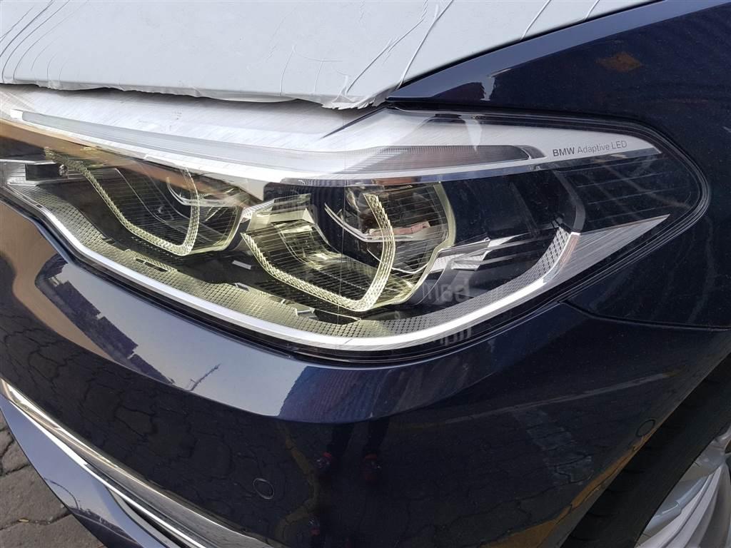 BMW Series 530i & 520i về cảng