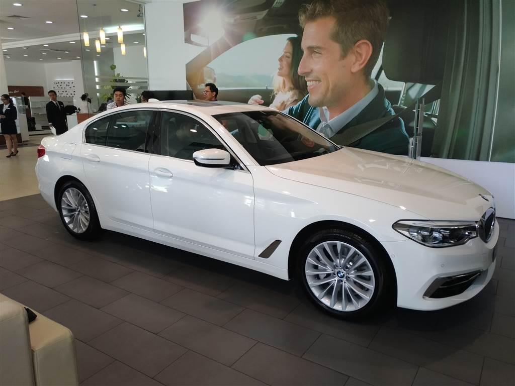 Ra mắt BMW 5 Series (45)