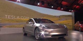 Tesla bán hàng online