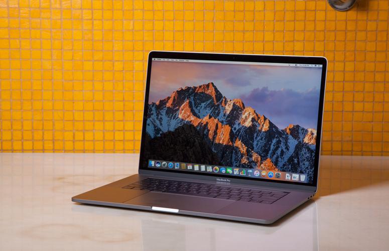 macbook pro 15inch phát nổ