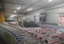 đỗ xe siêu thị