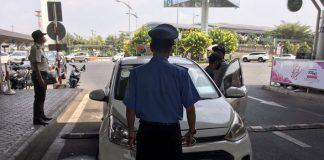 phạt xe ở sân bay