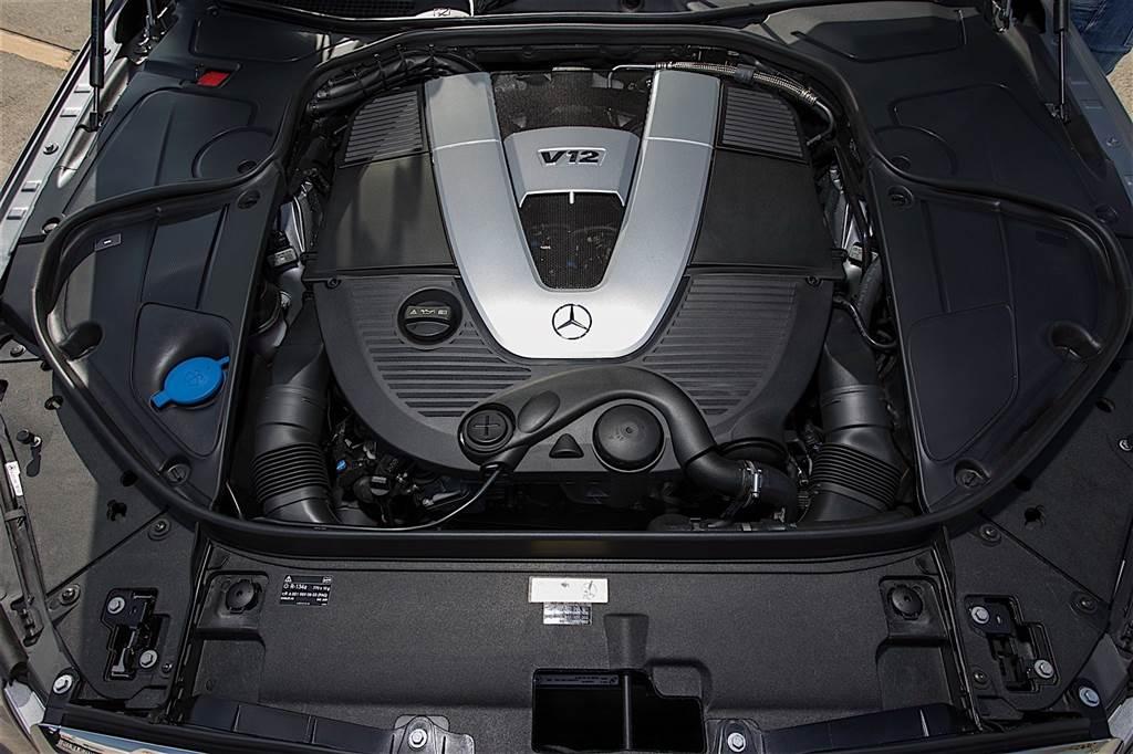 V12 Mercedes-Benz