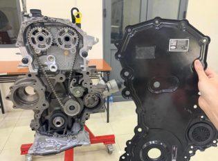 Chính thức công bố nguyên nhân về vụ hàng loạt xe Ford rò rỉ dầu.