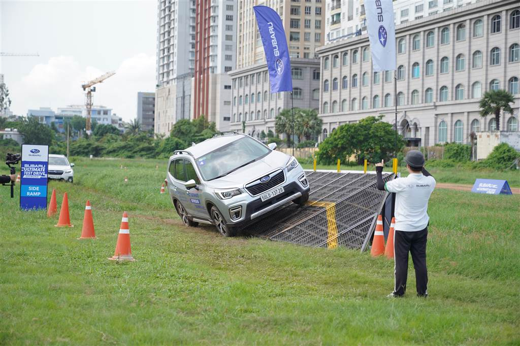 trải nghiệm với Subaru Ultimate Test Drive