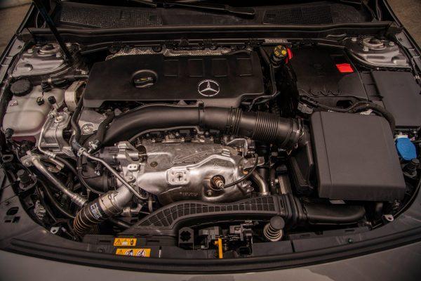 Daimler Geely động cơ