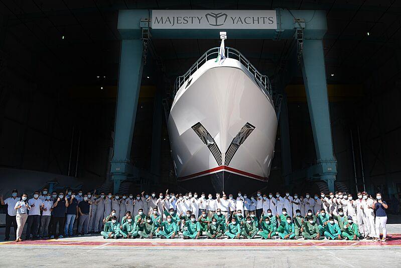 Du thuyền Majesty 122