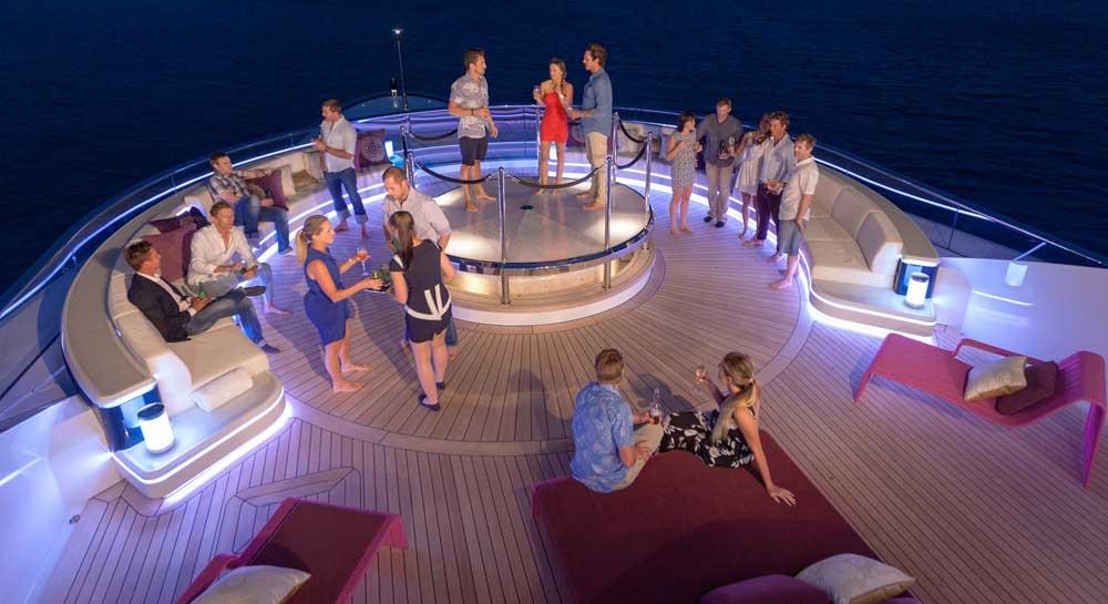Du thuyền - Tàu du lịch