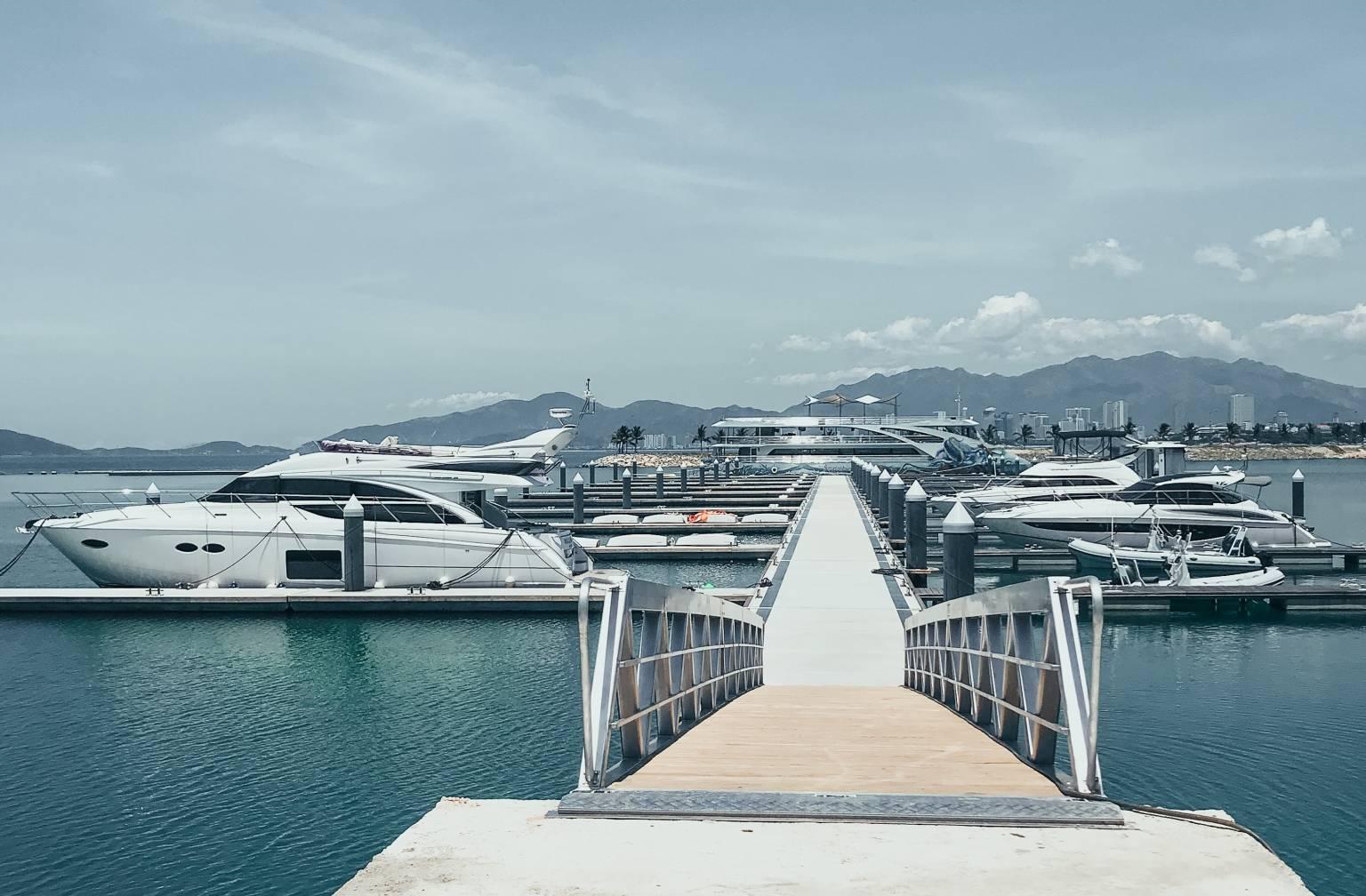 Bến du thuyền Ana Marina