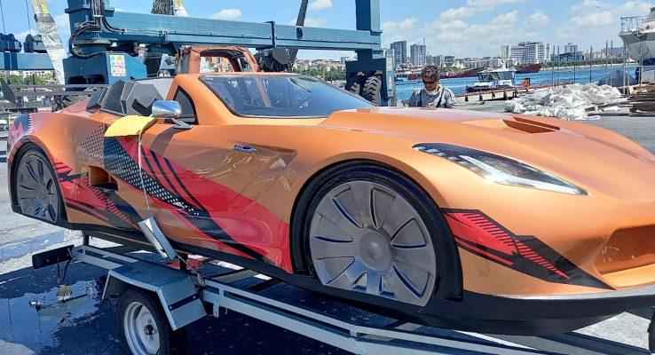 Ca nô Corvette C7