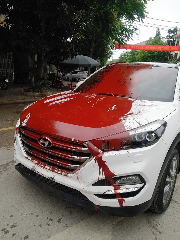 Ô tô bị tạt sơn