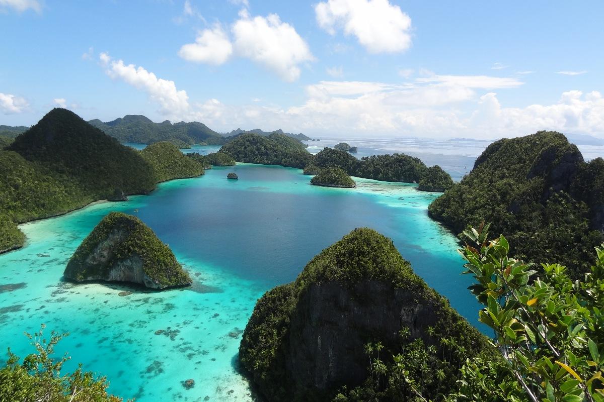 Du thuyền Indonesia